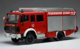 Mercedes Benz  - LF16 red - 1:43 - IXO Models - TRF016 - ixTRF016 | Toms Modelautos