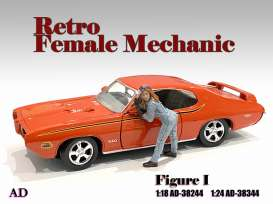 Figures  - Retro Female Mechanic I 2021  - 1:18 - American Diorama - 38244 - AD38244 | Toms Modelautos