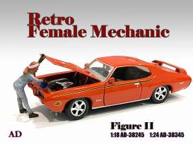 Figures  - Retro Female Mechanic II 2021  - 1:18 - American Diorama - 38245 - AD38245 | Toms Modelautos