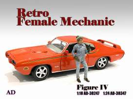 Figures  - Retro Female Mechanic IV 2021  - 1:18 - American Diorama - 38247 - AD38247 | Toms Modelautos