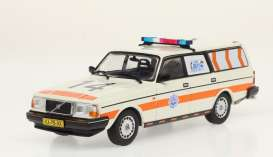 Volvo  - 245 *Politie* 1983 white/orange - 1:43 - Triple9 Collection - 43078 - T9-43078 | Toms Modelautos