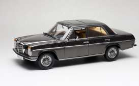 Mercedes Benz  - Strich 8 Saloon 1973 bronze - 1:18 - SunStar - 5623 - sun5623 | Toms Modelautos
