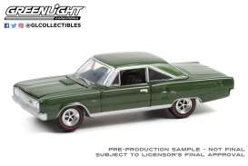 Dodge  - Coronet 1967 dark green - 1:64 - GreenLight - 13300A - gl13300A | Toms Modelautos