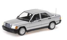 Mercedes Benz  - 190E (W201) 1982 silver - 1:18 - Minichamps - 155037004 - mc155037004 | Tom's Modelauto's