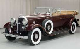 Ford  - Lincoln KB top down 1932 maroon - 1:18 - SunStar - 6167 - sun6167 | Toms Modelautos