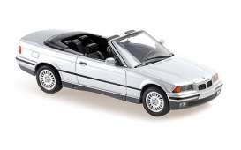 BMW  - 3-series 1993 silver metallic - 1:43 - Maxichamps - 940023330 - mc940023330 | Toms Modelautos
