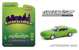 Chevrolet  - Monte Carlo *Lowrider* 1982 candy green - 1:64 - GreenLight - 51388 - gl51388 | Toms Modelautos