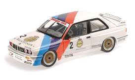 BMW  - M3 1987 white/blue/red - 1:18 - Minichamps - 155872002 - mc155872002 | Toms Modelautos