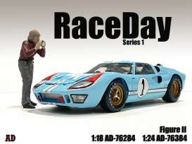 Figures  - Race Day Figure II 2021  - 1:24 - American Diorama - 76384 - AD76384 | Toms Modelautos